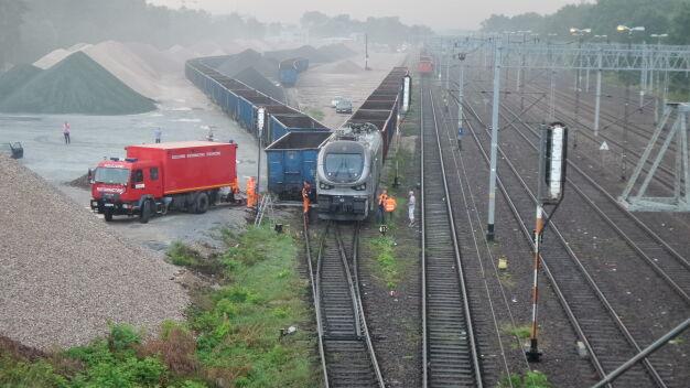 """Zderzenie pociągów towarowych. """"Lokomotywa uderzyła w wagon"""""""