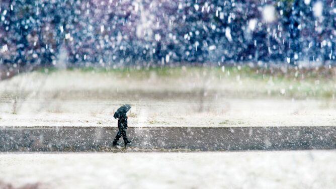 Zimowy epizod. Sprawdź, gdzie spadnie deszcz ze śniegiem i śnieg