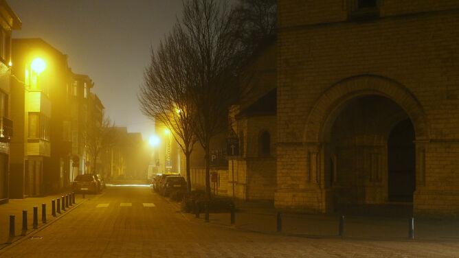 Noc z niebezpieczną pogodą. Alarmy przed mgłą i opadami marznącymi