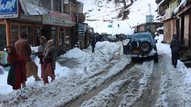 W Kaszmirze zeszły lawiny śnieżne. Zginęło co najmniej 69 osób