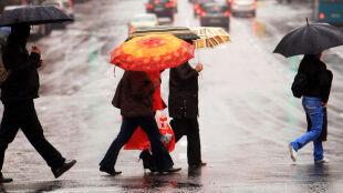 Deszcz powoli będzie ustępować, ale dokuczy nam chłód